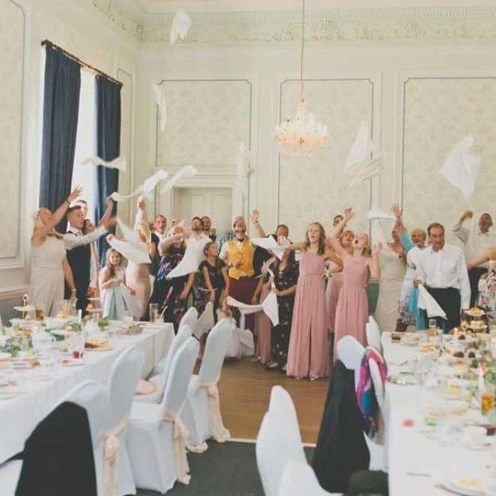 napkin throw at wedding